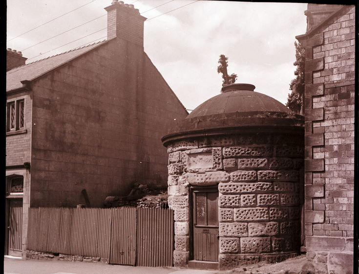 Lock-up, Ruabon ~ Collection of negatives belonging to Miss K. L. Lyon