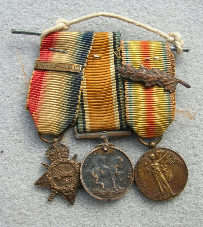 World War 1 Minature Medal set awarded to Capt Rose