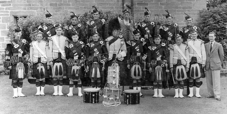 Dornoch Pipe Band