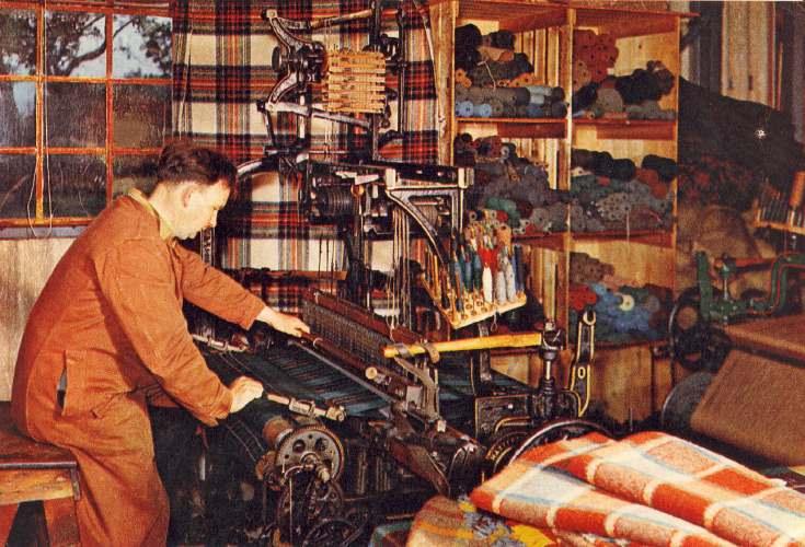 Weaving at Brora