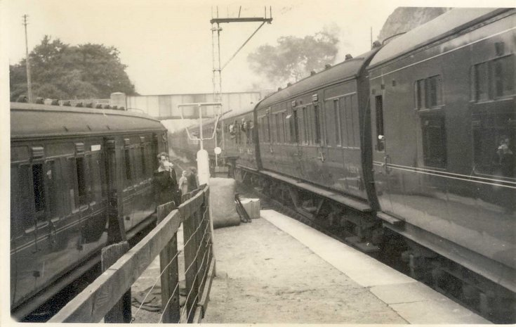 Trains meeting at The Mound Station