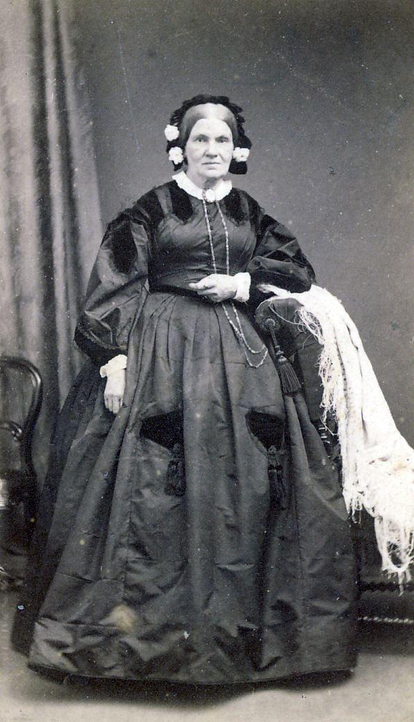 Unknown female Gilchrist?