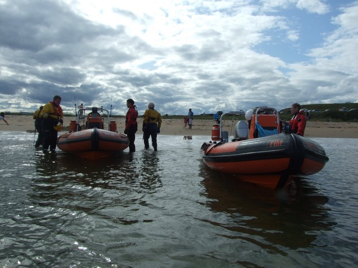 ERSA recovering boats at Dornoch Beach