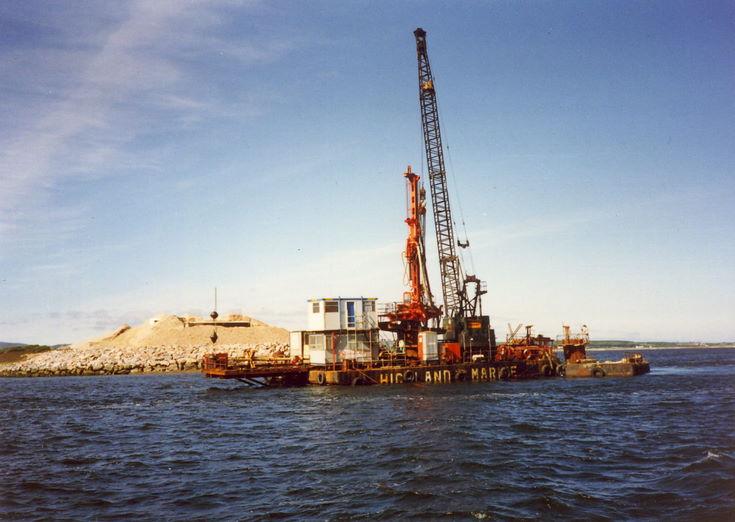 Dornoch Firth Bridge Construction ~ Floating Crane Unit