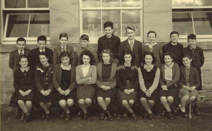 Class photograph of Dornoch Academy, 1946-47.